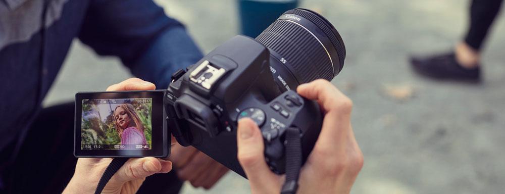 Canon EOS 250D - Pantalla táctil abatible